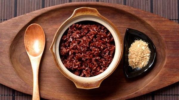 thực phẩm ăn gì, nước uống giảm cân lợi sữa sau sinh bằng đậu đen, gạo lứt, tinh bột nghệ