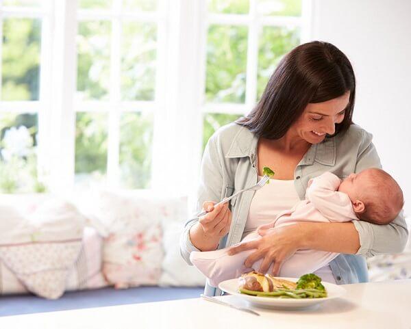 Chế độ ăn giảm cân cho mẹ sau sinh