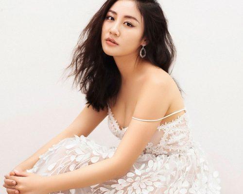 """Ca sĩ Văn Mai Hương: """"Mọi người không biết rằng Hương đã chật vật ép cân để mặc vừa váy cưới"""""""