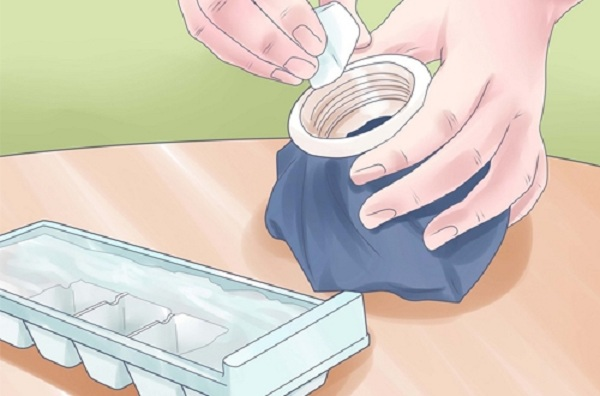 cách giảm béo mặt bằng đá lạnh