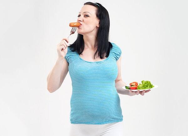 ăn xúc xích có béo không, ăn xúc xích ăn liền có béo không, 1 cái xúc xích ăn liền bao nhiêu calo, ăn xúc xích rán có béo không, 1 cái xúc xích rán bao nhiêu calo, ăn xúc xích tiệt trùng có béo không, giảm cân có được ăn xúc xích không, giảm cân có nên ăn xúc xích