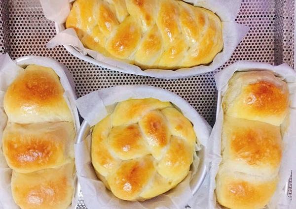 1 ổ bánh mì bao nhiêu calo, 1 ổ bánh mì hoa cúc bao nhiêu calo