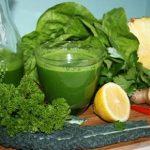 Rau cải xoăn bao nhiêu calo? 10 công thức nước ép cải xoăn Kale giảm cân hiệu quả